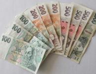 Lidem ve zkušební době, zpravidla v bance, ani i u nebankovní společnosti nepůjčí. Určitou výjimkou jsou krátkodobé nebankovní půjčky do výplaty. Tam je možné získat pár tisíc korun (obvykle do 10 000 Kč) na 30 dní.